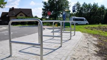 Czechowice-Dziedzice: Rowerem na autobus. Stojaki rowerowe na pętli autobusowej w Bronowie