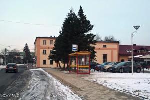Bielsko-Biała: Nowa wiata na Placu Niemczyka i tablica na Dmowskiego